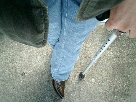 tnl crutch02