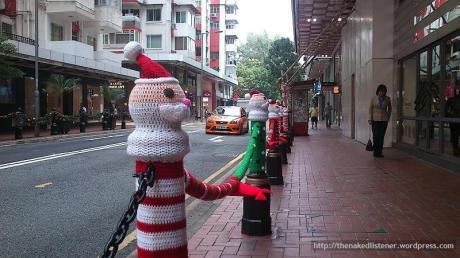 xmas street knit poles DSC1363 2013 1127